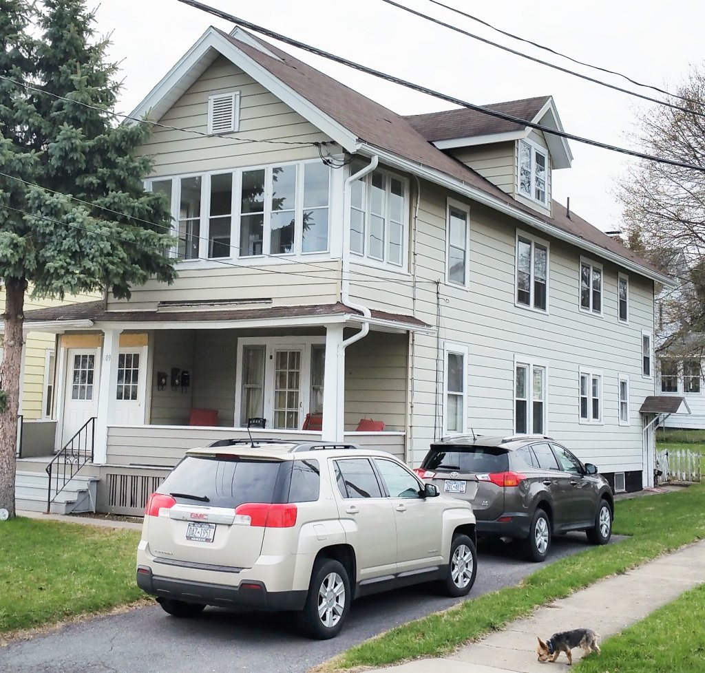 Apartment For Rent In 609 Ulster St